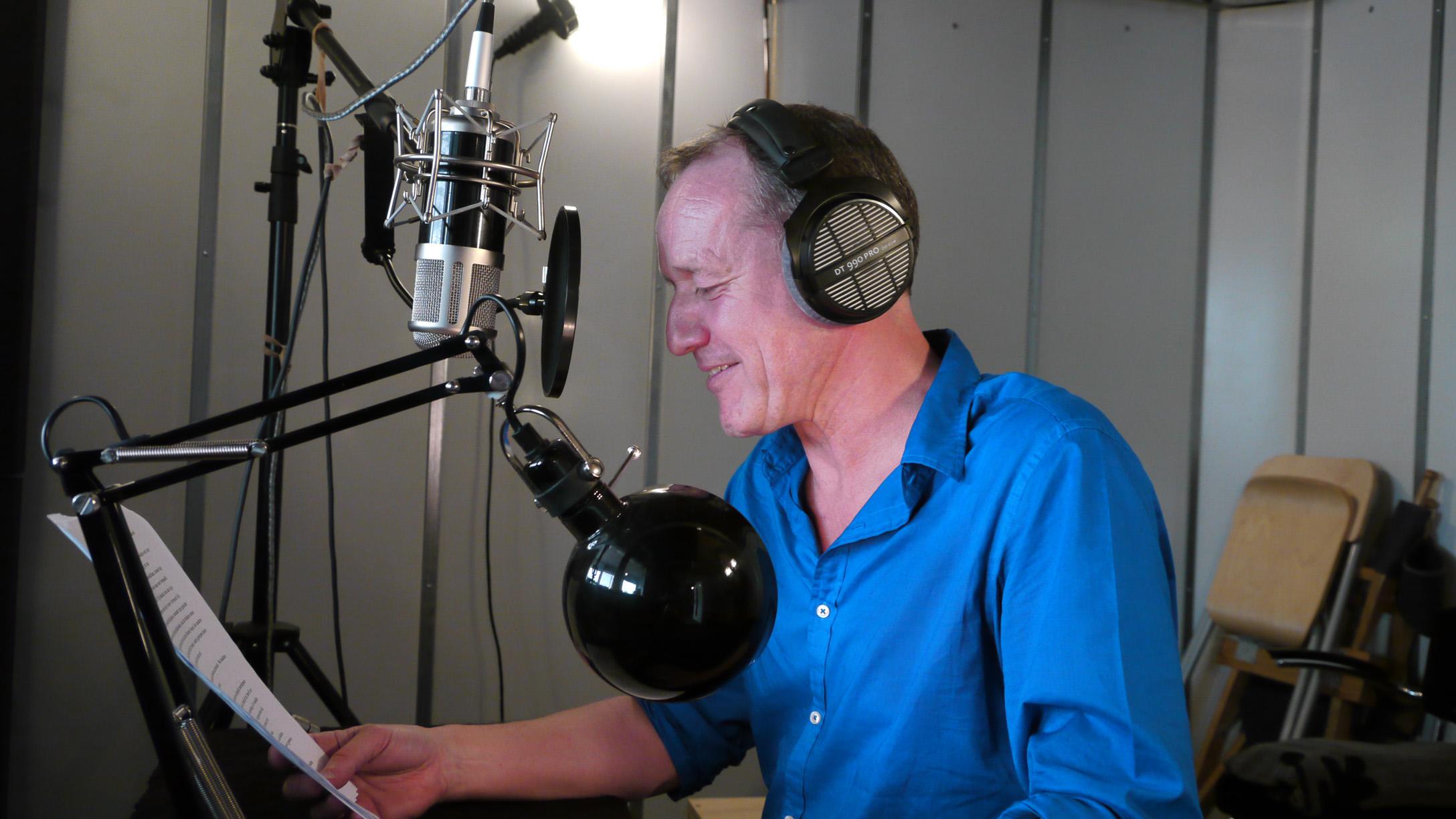 Jan Ad Adolfsen is de stem van Sherlock Holmes